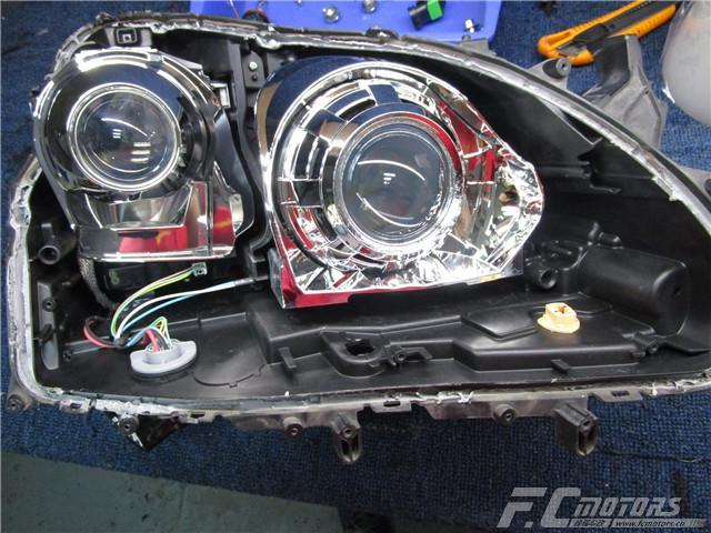 丰田皇冠原车远光升级进口海拉五双光透镜,为夜间行驶